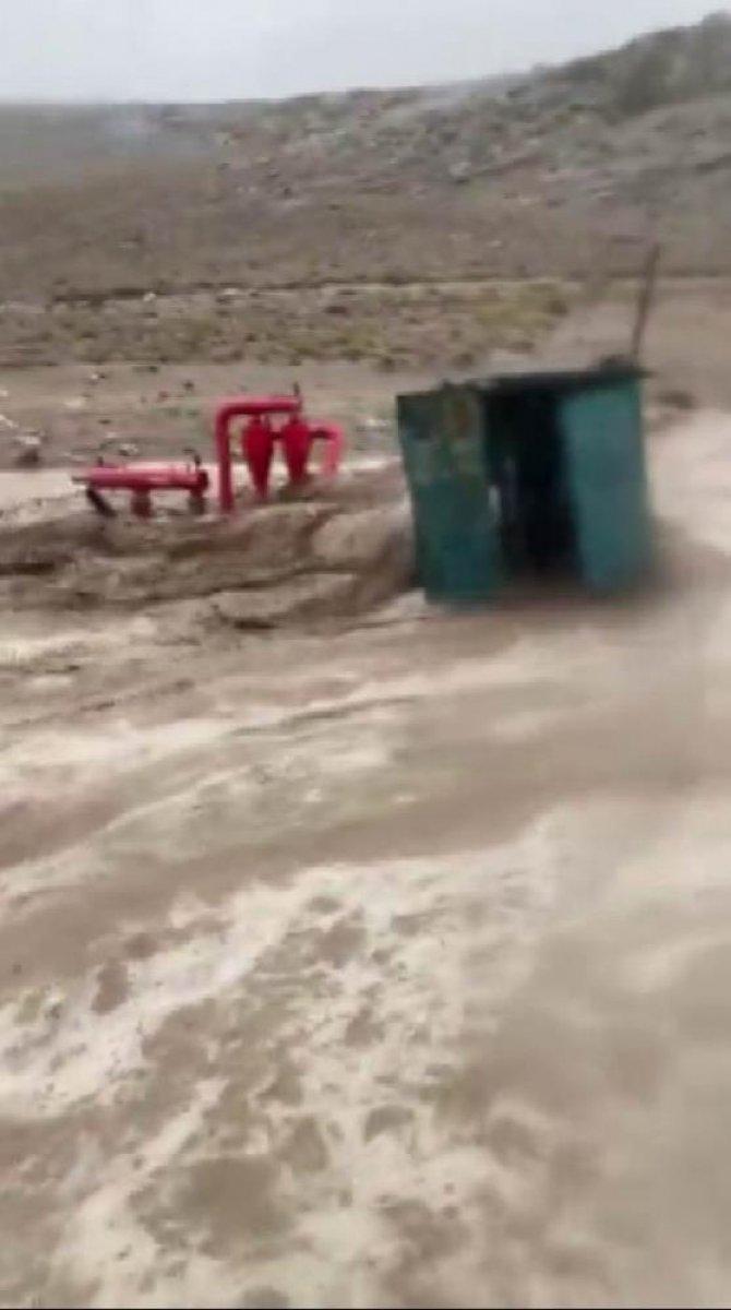 Sağanak yağış, birçok ilde su baskınlarına neden oldu #10