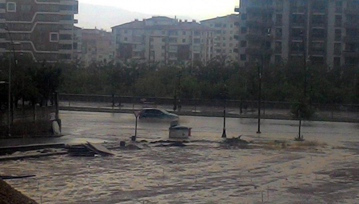 Sağanak yağış, birçok ilde su baskınlarına neden oldu #8