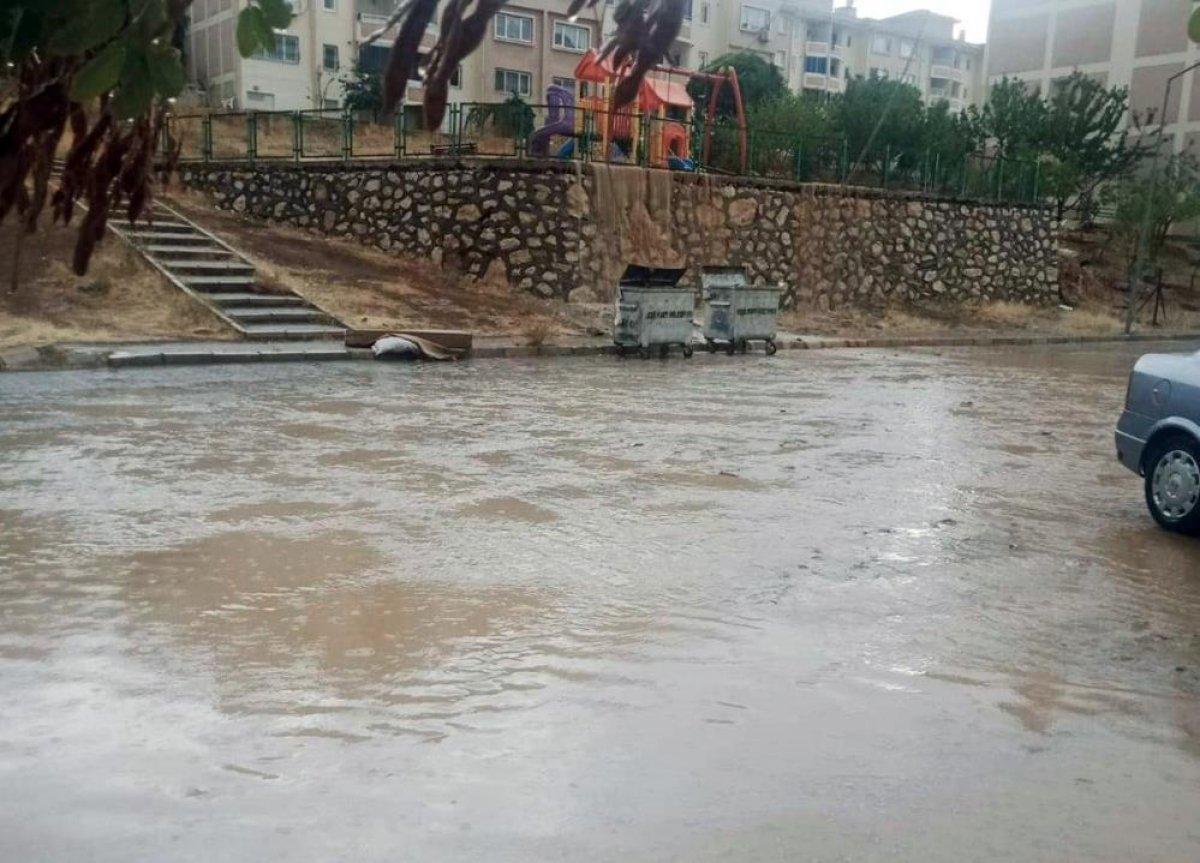 Sağanak yağış, birçok ilde su baskınlarına neden oldu #9