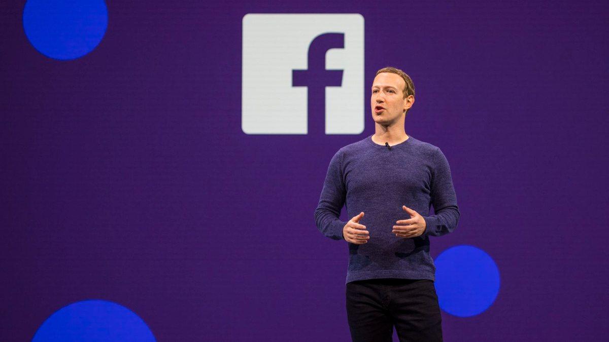 Facebook, ünlülerin kuralları çiğnemesine göz yumuyor