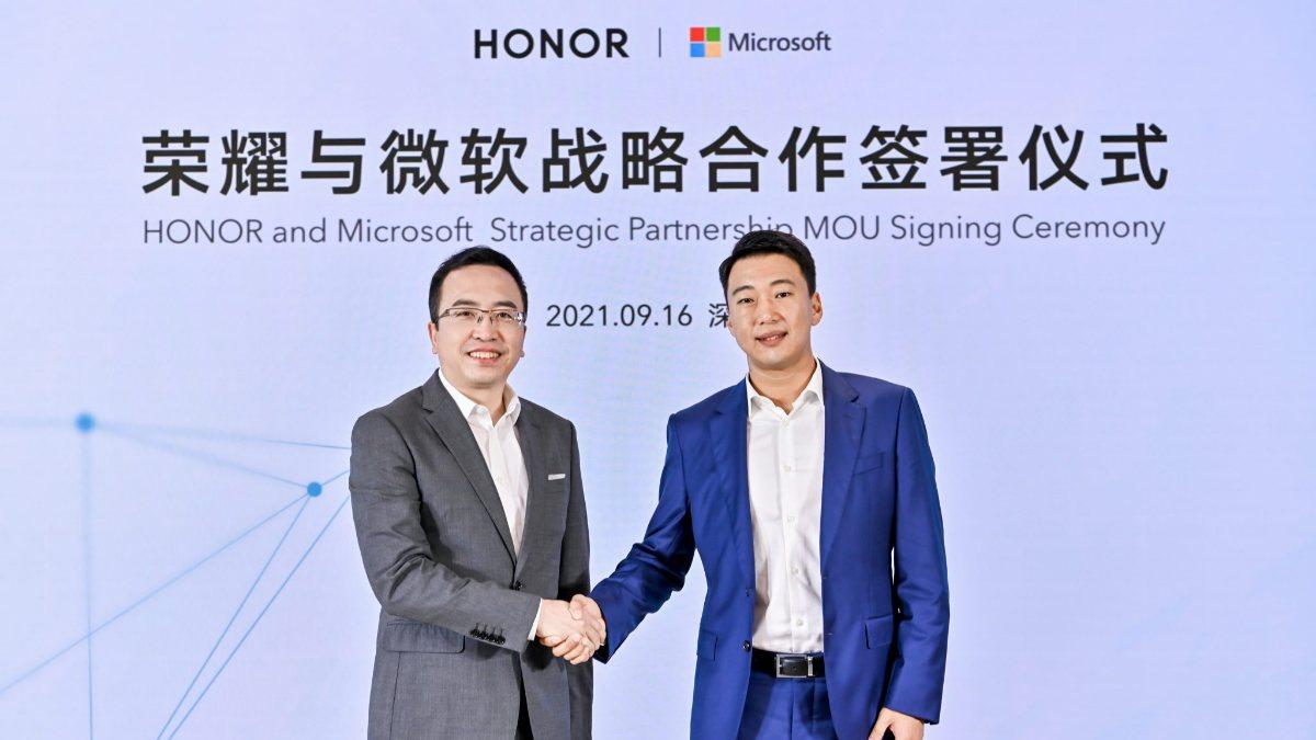 Honor ve Microsoft ortaklık anlaşması imzaladı