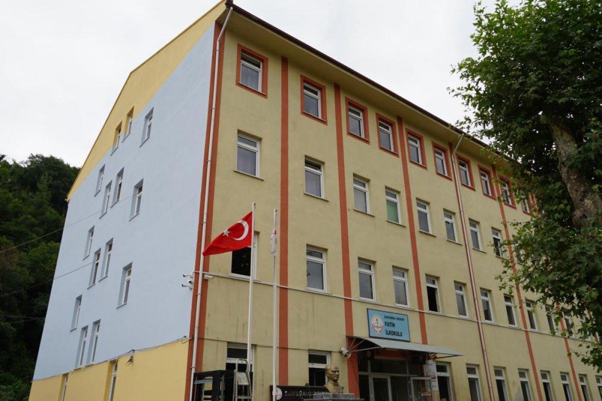 Kastamonu da selden etkilenen Bozkurt'ta okullar açılıyor #5