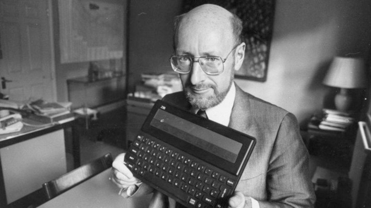 Bilgisayar dünyasının efsanesi Sir Clive Sinclair yaşamını yitirdi