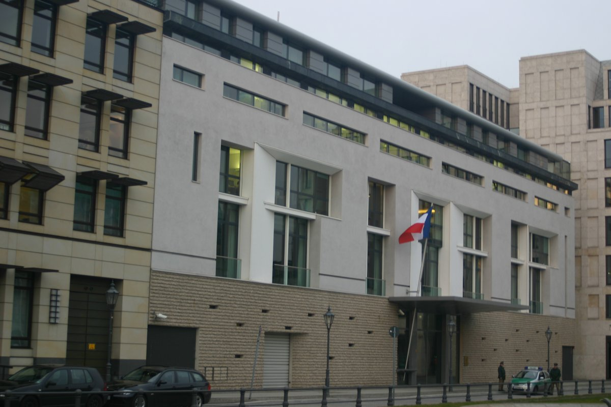 Fransa, Avustralya ve ABD deki büyükelçilerini geri çağırdı #1
