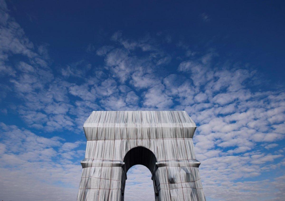 Kumaşla kaplanan Paris in simgesi Zafer Takı, ziyarete açıldı #4