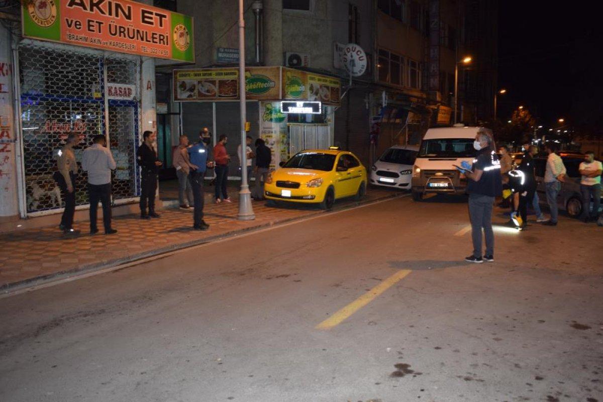 Malatya da husumetli olduğu arkadaşına taksinin içinde ateş açtı #4