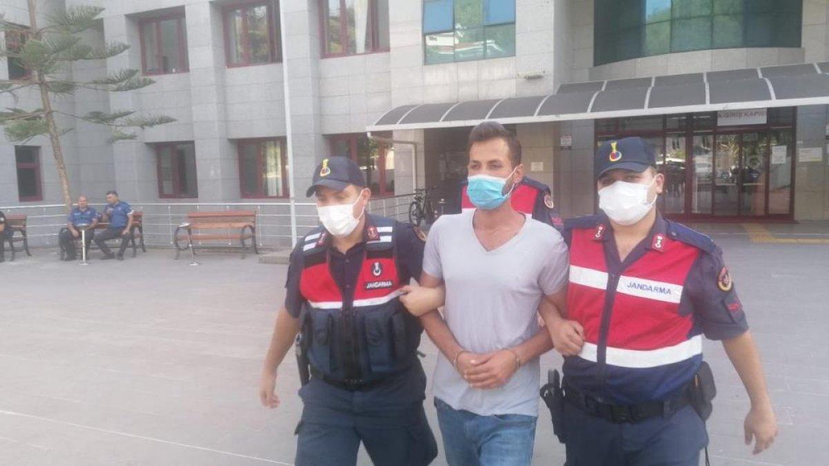 Antalya da ormanı yakarken suçüstü yakalanan zanlı tutuklandı #1