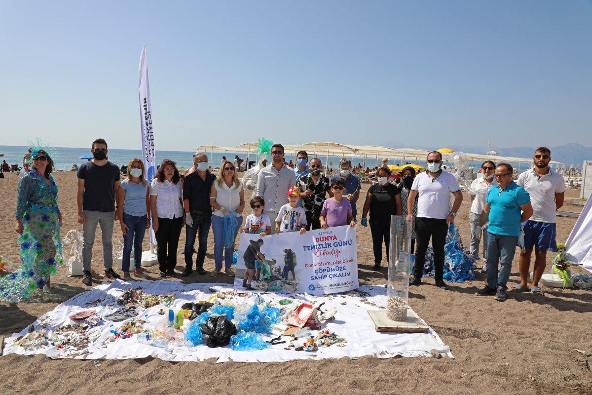 CHP li Antalya Büyükşehir Belediyesi nden heykelli kıyı temizliği #6