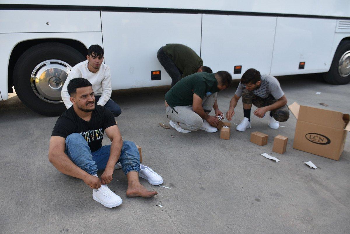 Yunanistan, para ve kıyafetlerini aldığı göçmenleri borularla dövüp, Türkiye ye itti #6