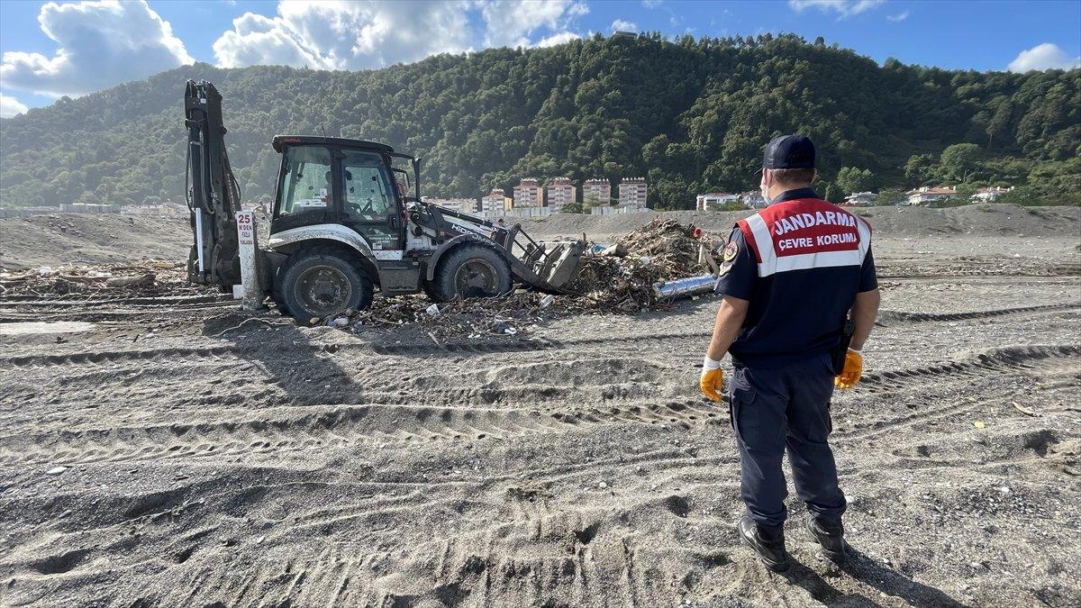 Kastamonu da sel felaketinin yaraları, jandarmanın desteğiyle sarıldı #2