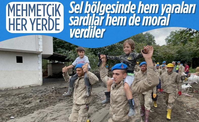 Kastamonu'da sel felaketinin yaraları, jandarmanın desteğiyle sarıldı