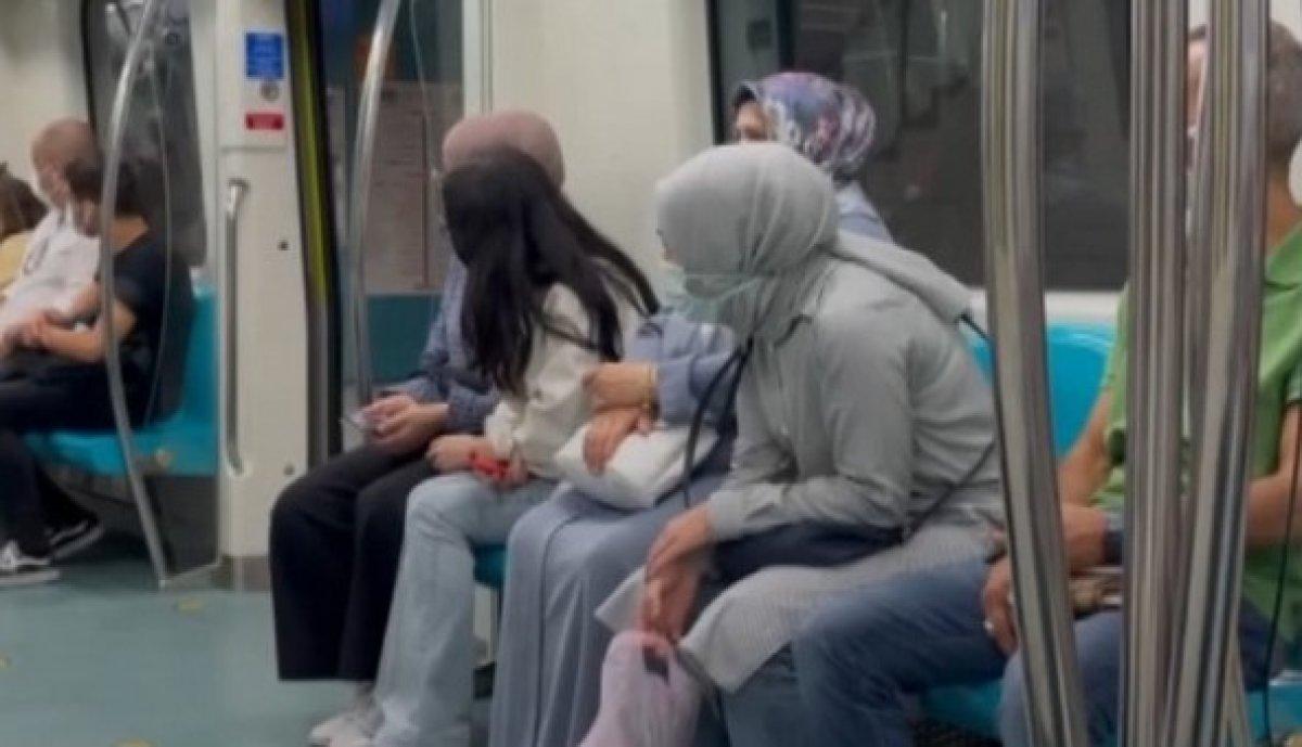 Marmaray ın makinisti, taşkınlık yapan yolcuları uyardı #1
