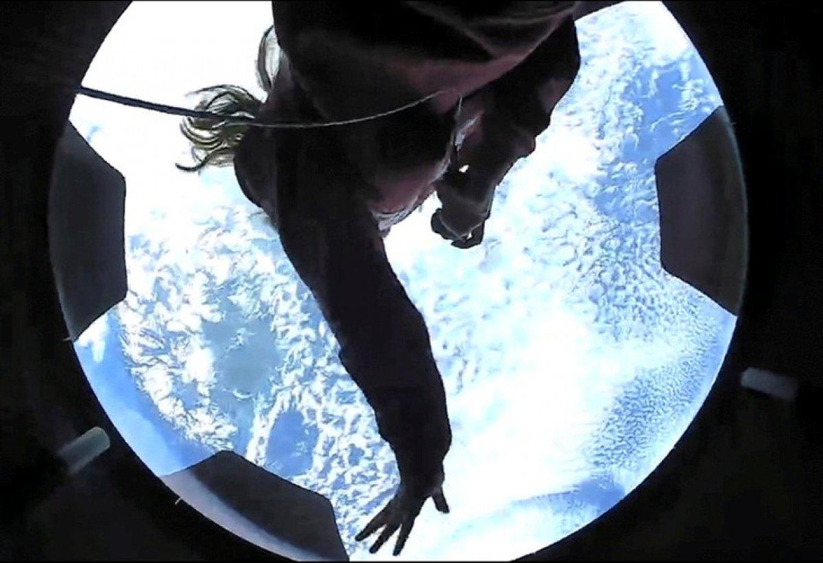 SpaceX'in astronotsuz 4 mürettebatla 3 günlük uzay yolculuğu sona erdi #1