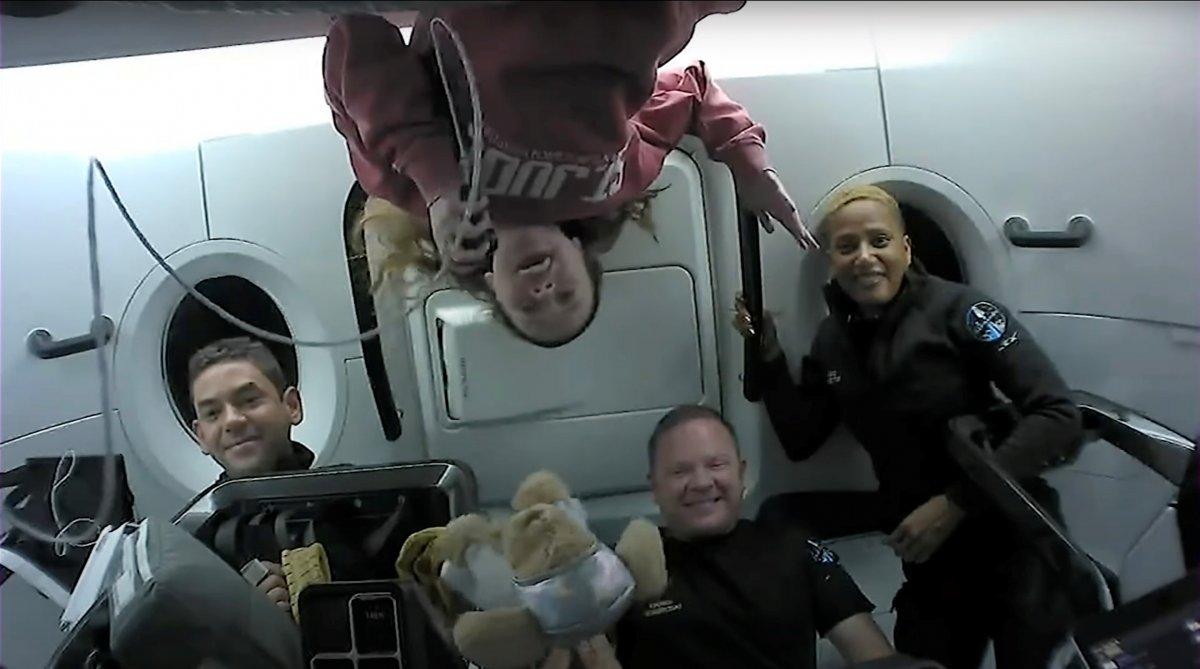 El viaje espacial de 3 días de los 4 tripulantes de SpaceX sin astronautas ha terminado # 3