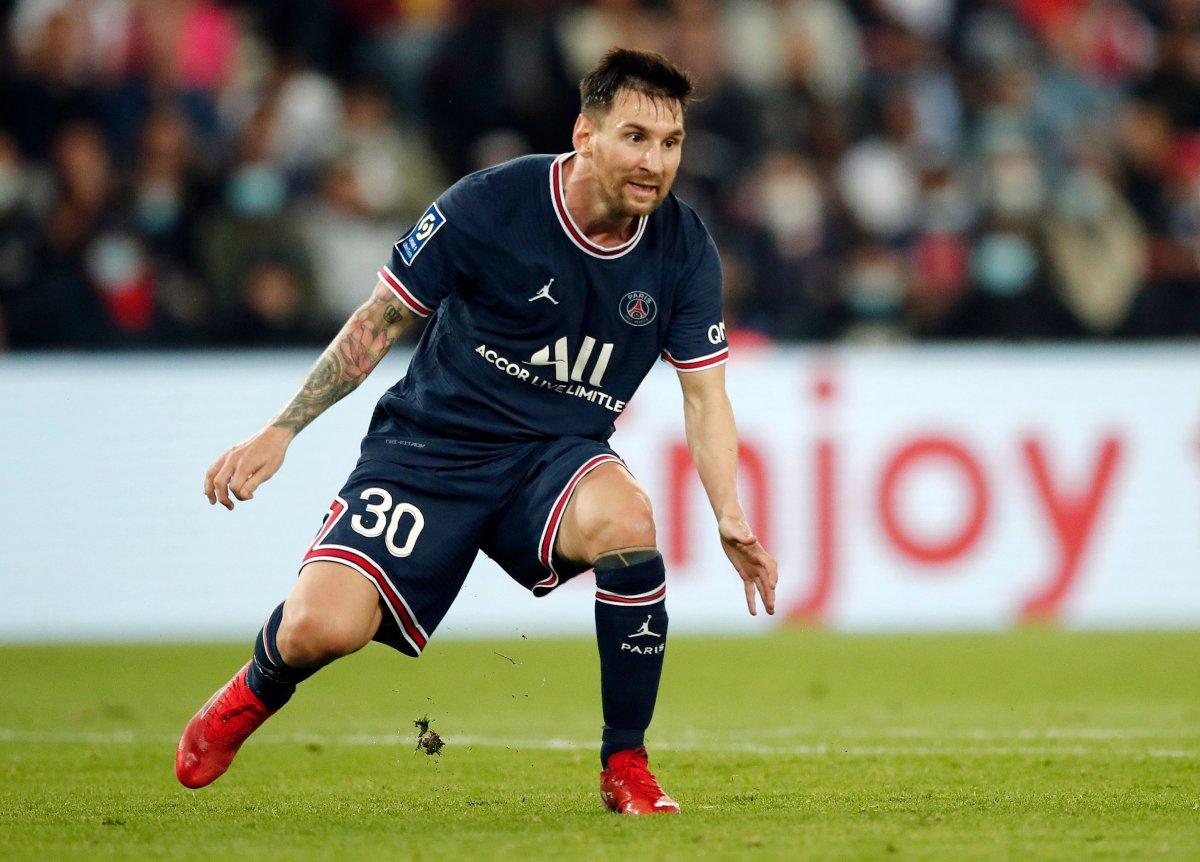 Oyundan alınan Lionel Messi hocasının elini sıkmadı #3
