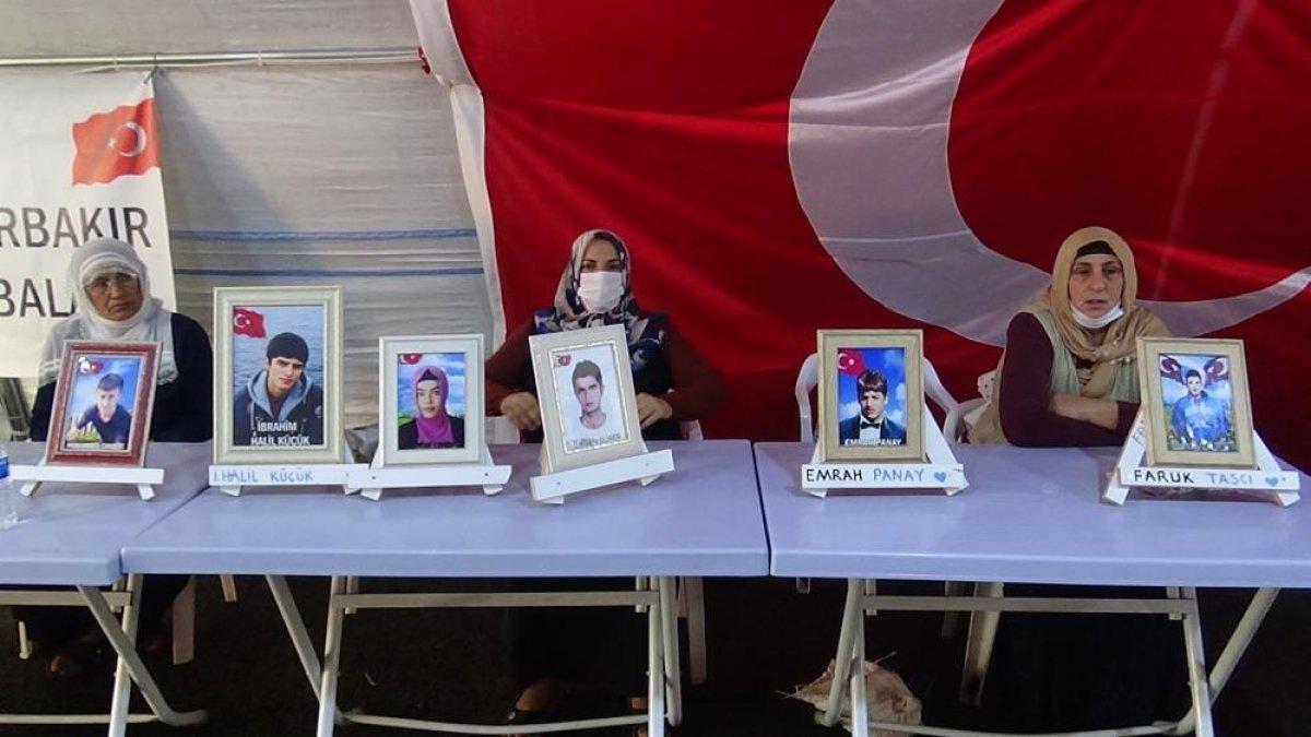 Diyarbakır da evlat hasreti çeken anne: Orası senin yerin değil #2