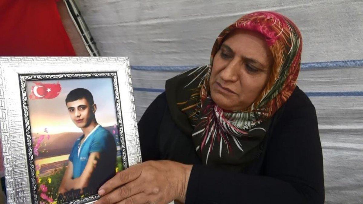 Diyarbakır da evlat hasreti çeken anne: Orası senin yerin değil #4