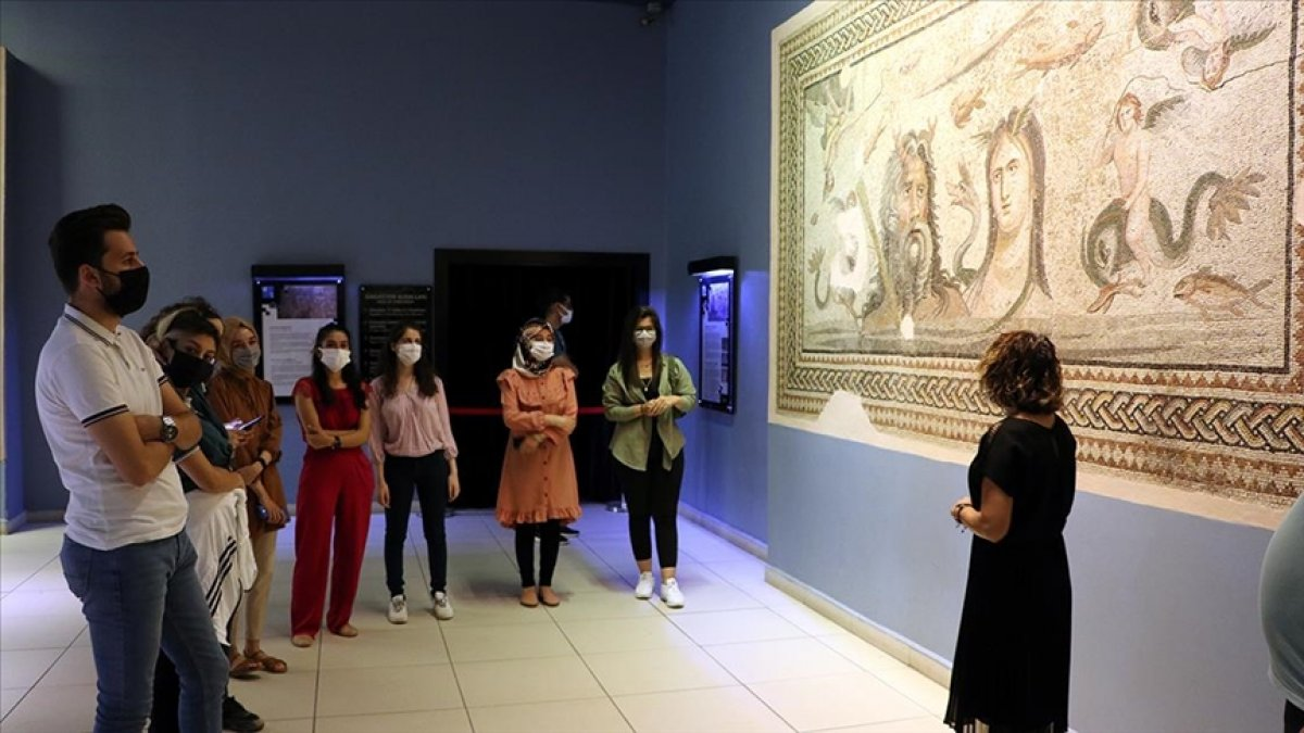 Gönüllü gençler Zeugma da müzecilik deneyimi kazanıyor #1