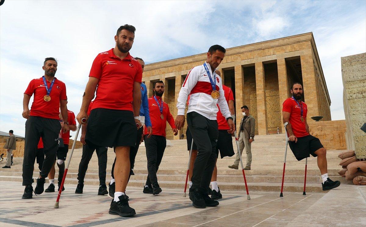 Ampute Futbol Milli Takımı, Anıtkabir i ziyaret etti #11