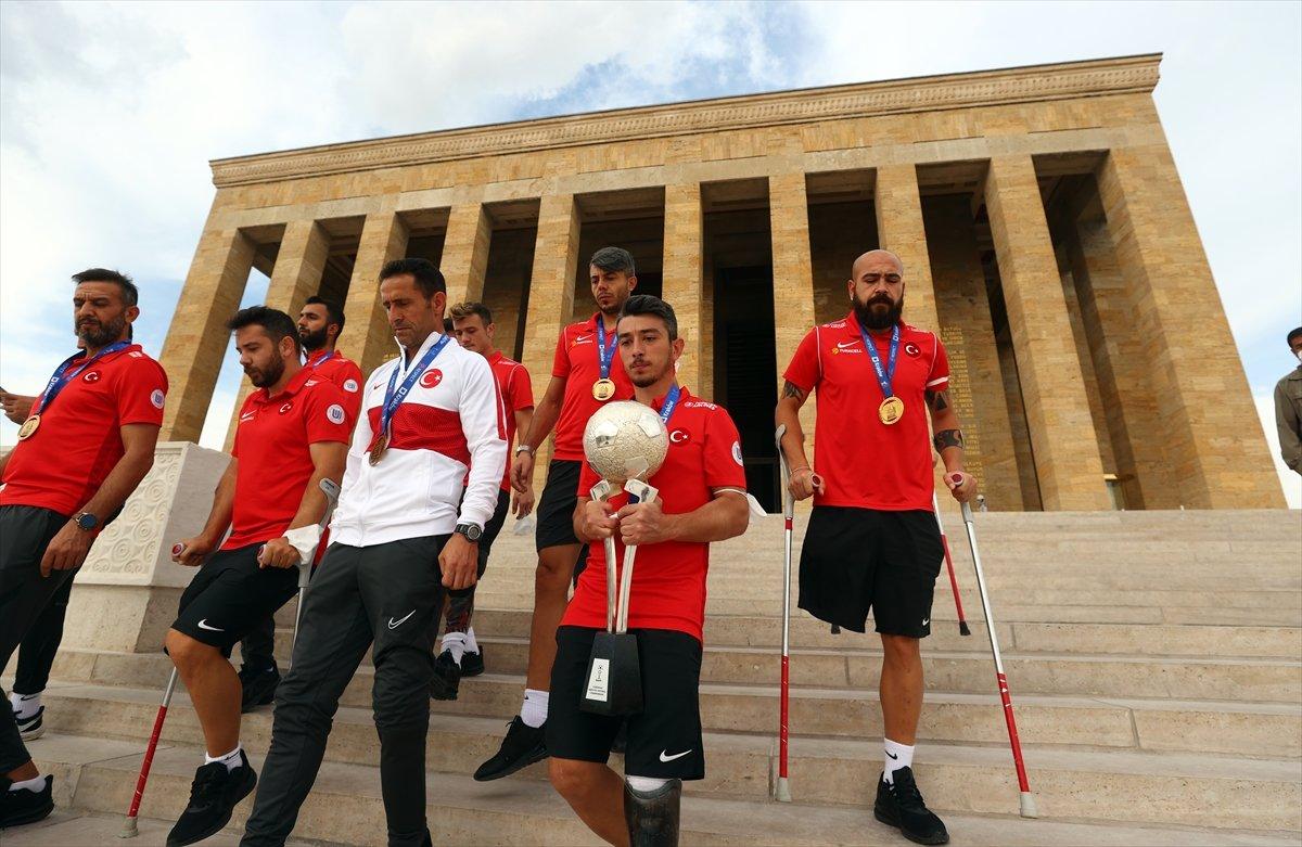 Ampute Futbol Milli Takımı, Anıtkabir i ziyaret etti #9
