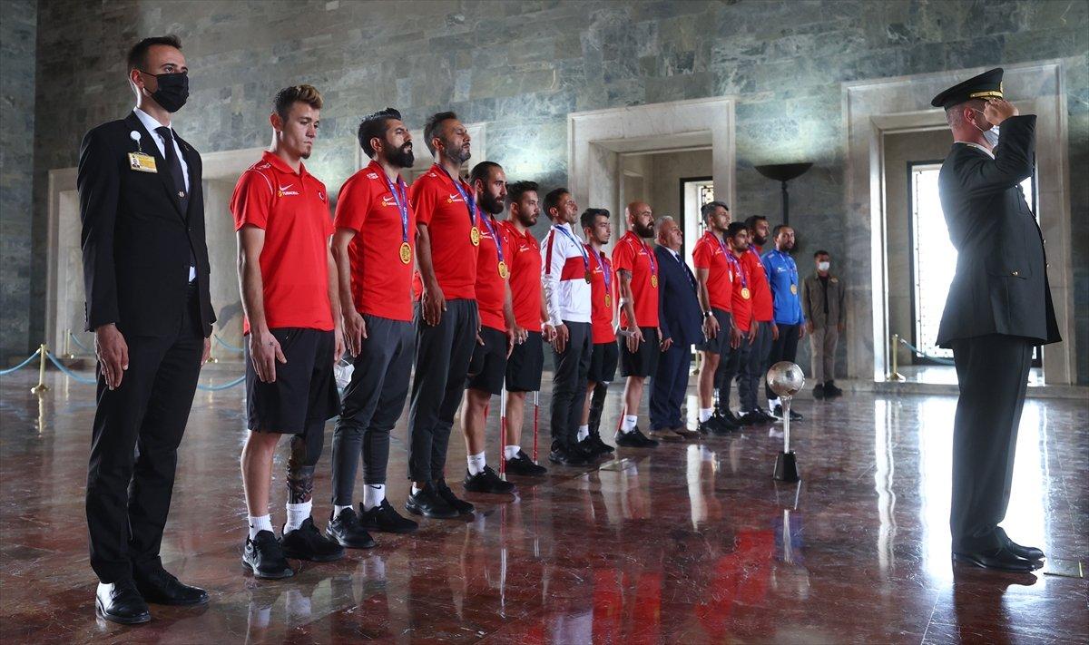 Ampute Futbol Milli Takımı, Anıtkabir i ziyaret etti #7