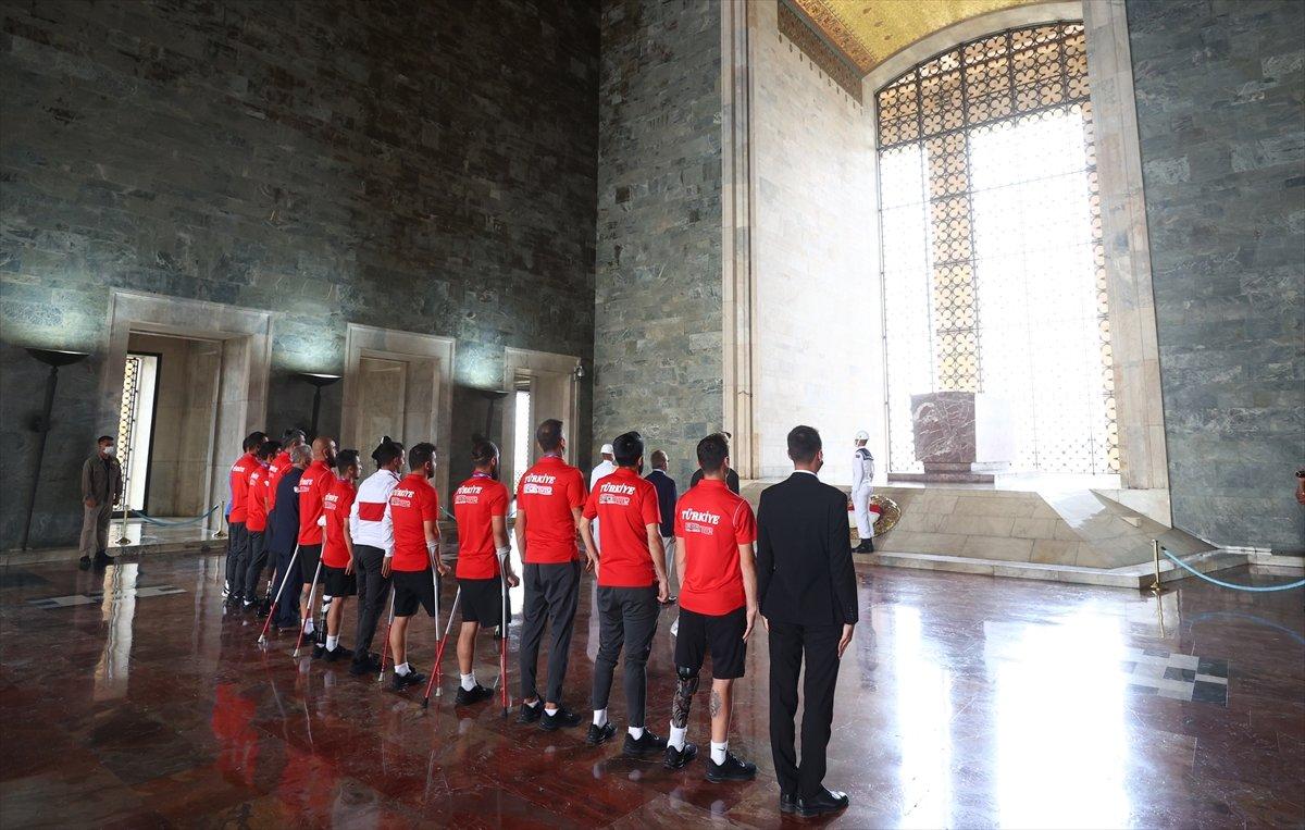 Ampute Futbol Milli Takımı, Anıtkabir i ziyaret etti #6