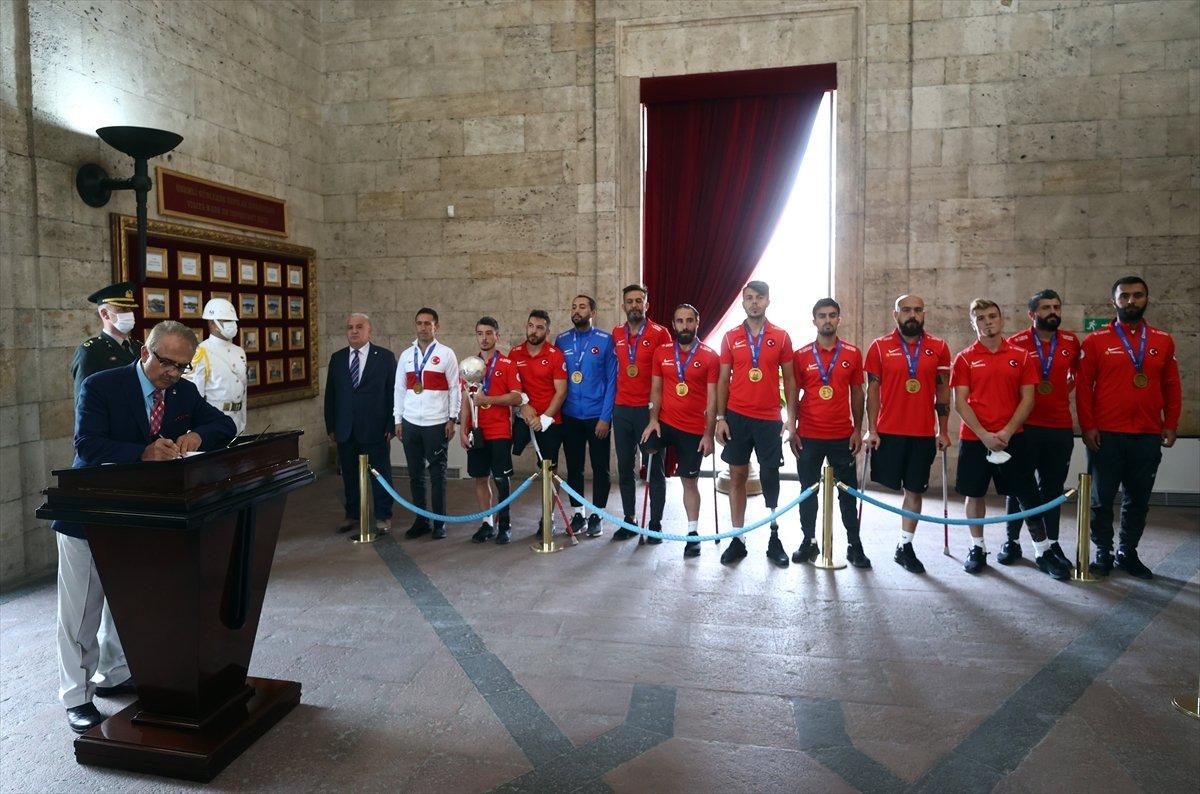Ampute Futbol Milli Takımı, Anıtkabir i ziyaret etti #10