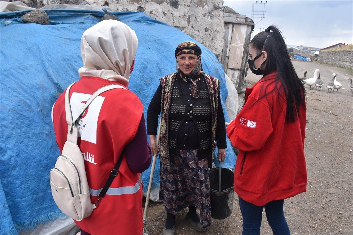 Kars ta sağlık ekipleri aşılama için kapı kapı dolaşıyor #4