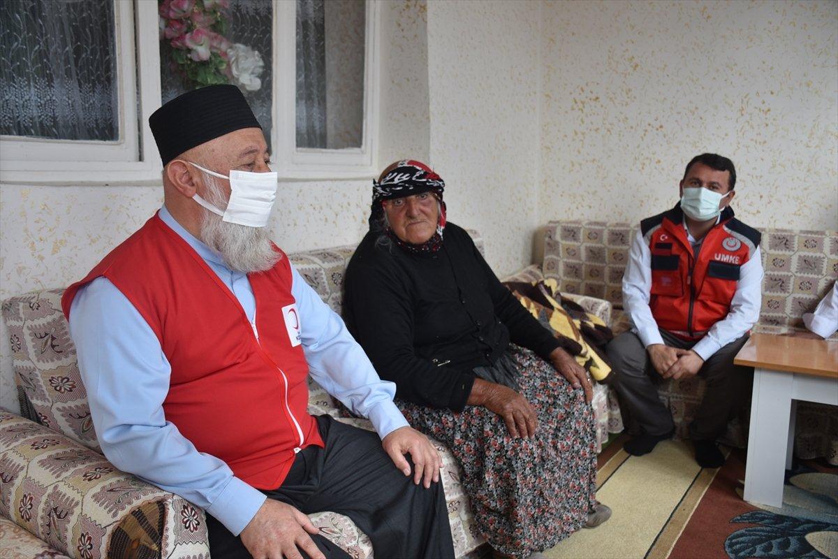 Kars ta sağlık ekipleri aşılama için kapı kapı dolaşıyor #7