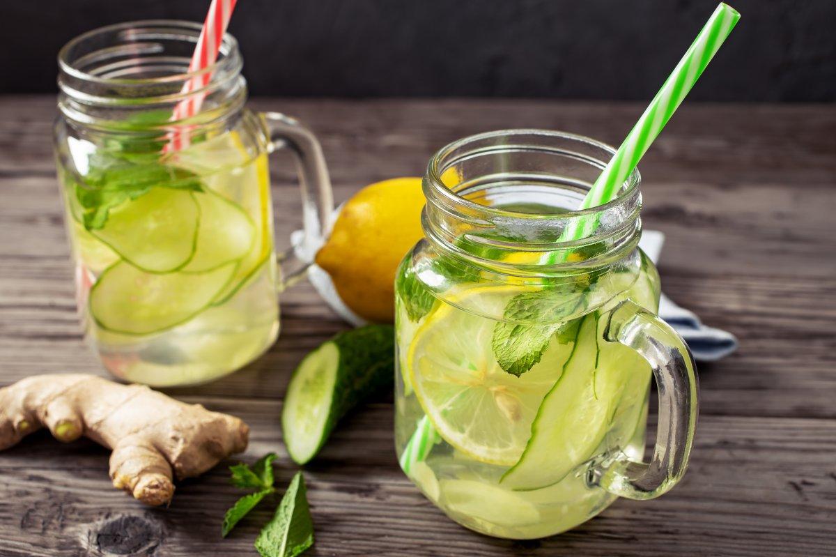 Limonlu salatalık suyunun 10 inanılmaz faydası #2