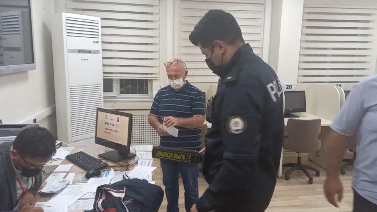 Kırıkkale de ehliyet sınavında akılalmaz kopya düzeneği #4