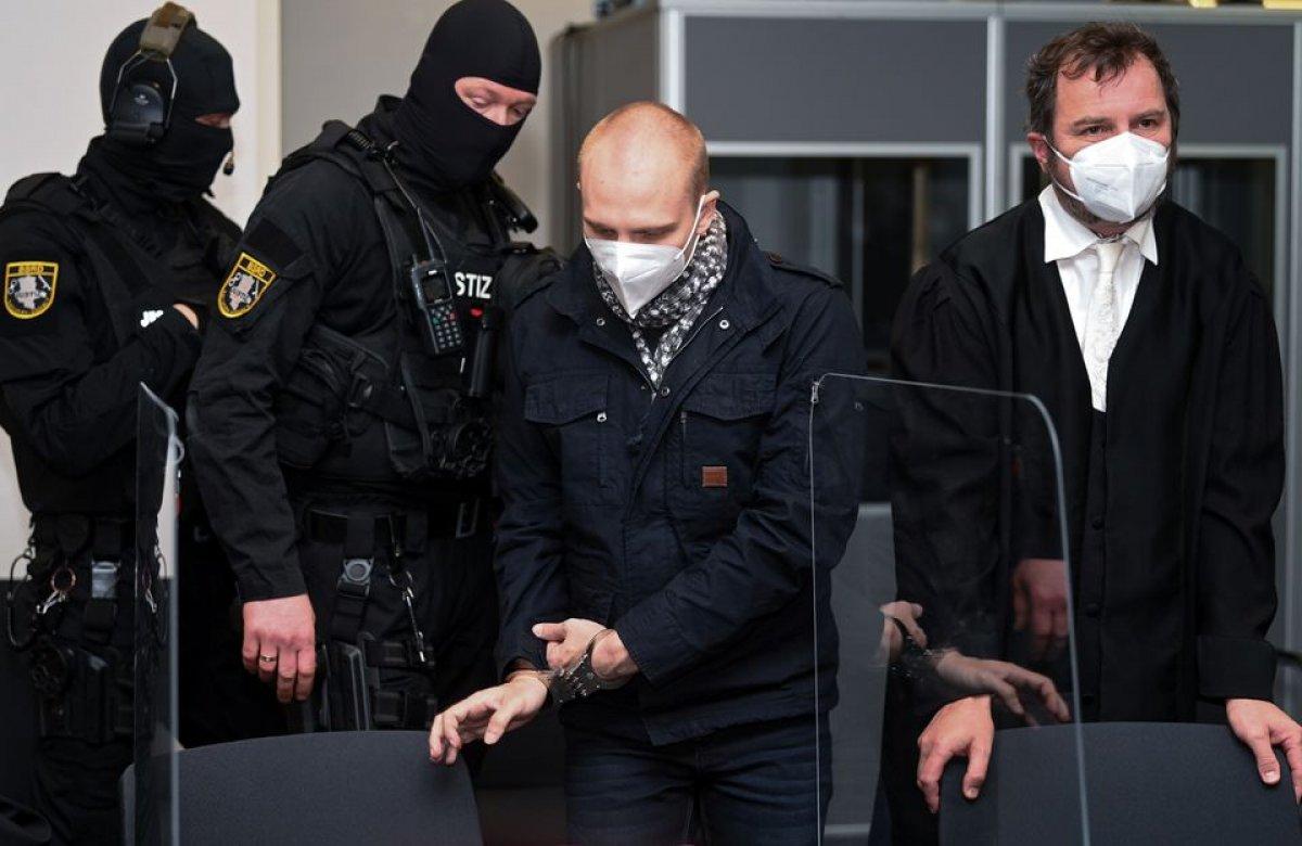 Almanya da kadın polisten aşırı sağcı teröriste aşk mektubu #3