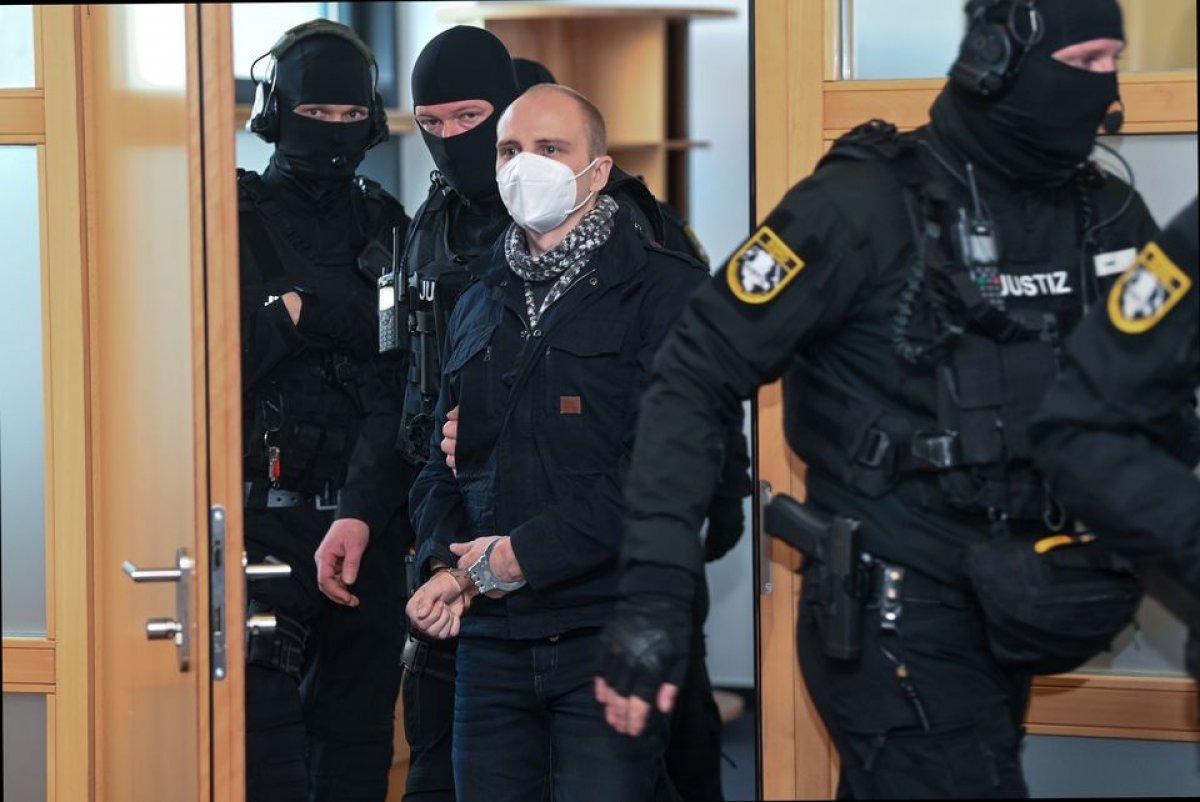 Almanya da kadın polisten aşırı sağcı teröriste aşk mektubu #2