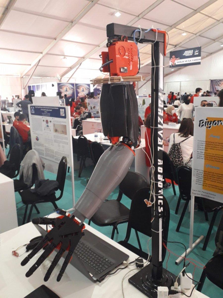 Biyonik robotik kol ve el projesi TEKNOFEST te #1