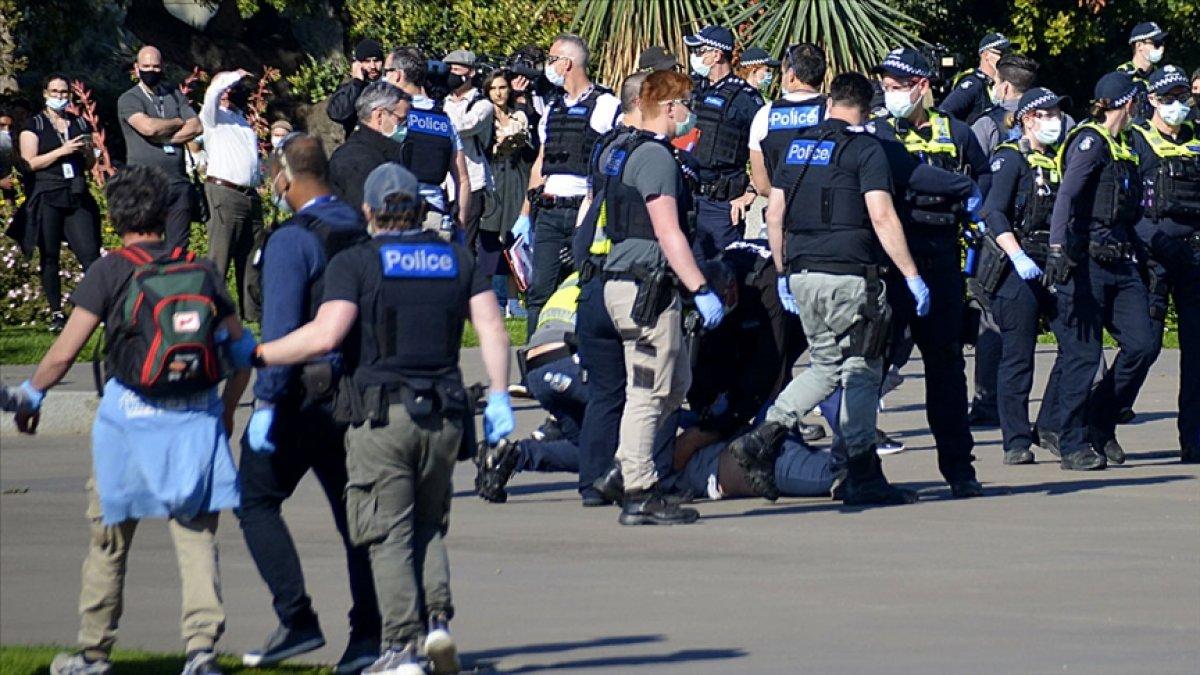 Avustralya daki aşı karşıtı gösterilerde 200'den fazla kişiye gözaltı #2