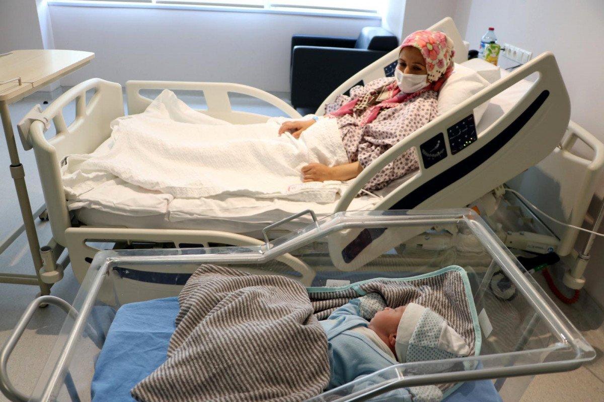 Ankara da hastanede yatan 33 gebe hastadan 32 si aşısız #1