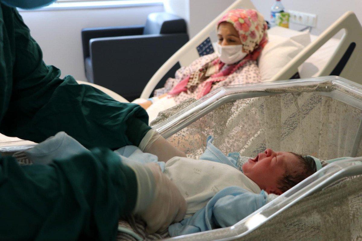 Ankara da hastanede yatan 33 gebe hastadan 32 si aşısız #3
