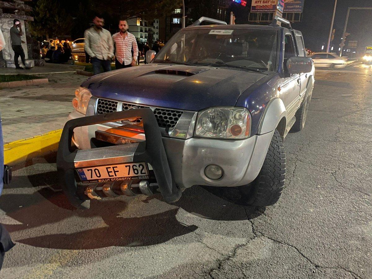 Elazığ da otomobil ile pikap çarpıştı: 2 yaralı #1