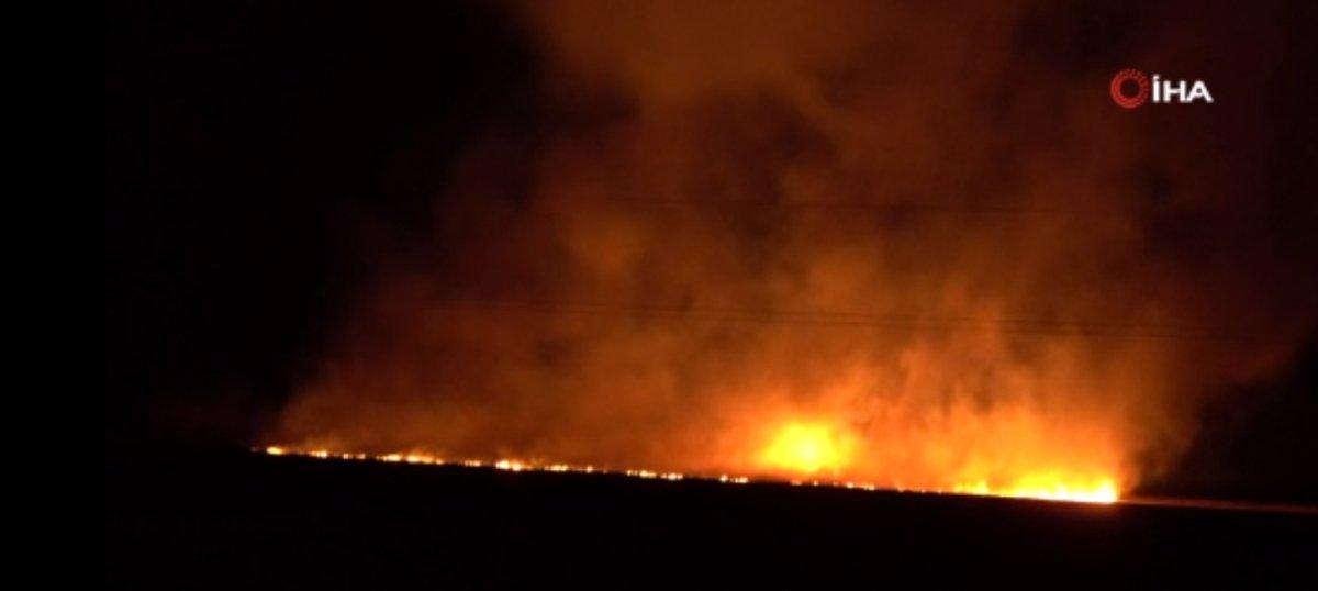 Hakkari de gerçekleşen yangına vatandaşlar da müdahale etti #2