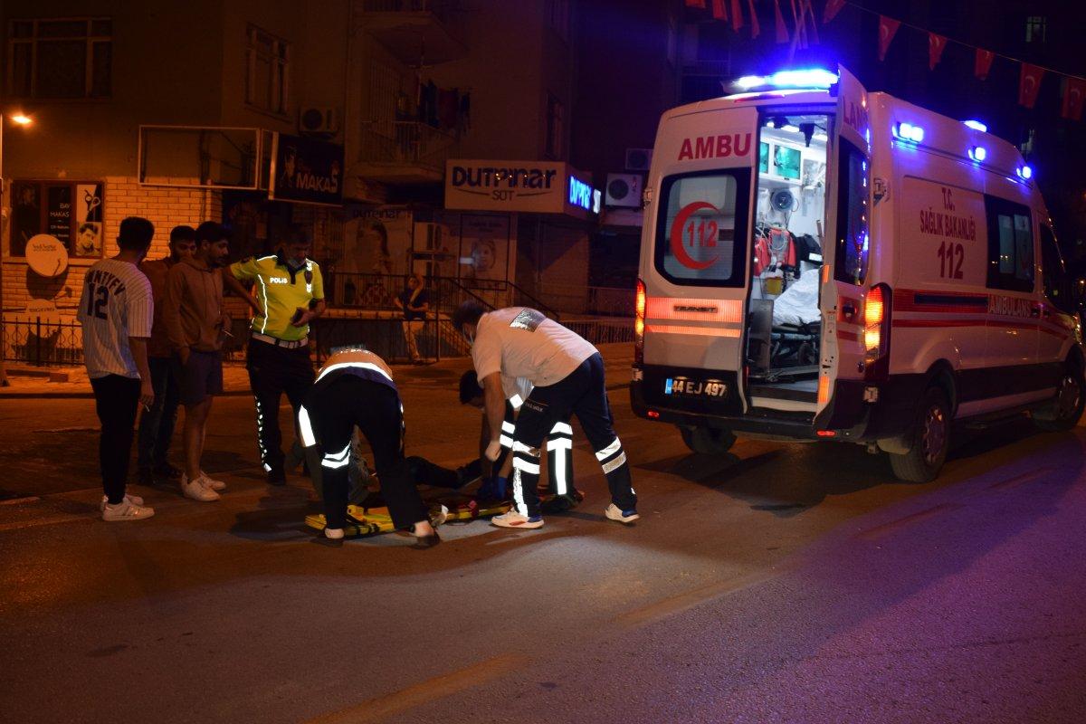 Malatya da otomobil ile motosiklet çarpıştı #3