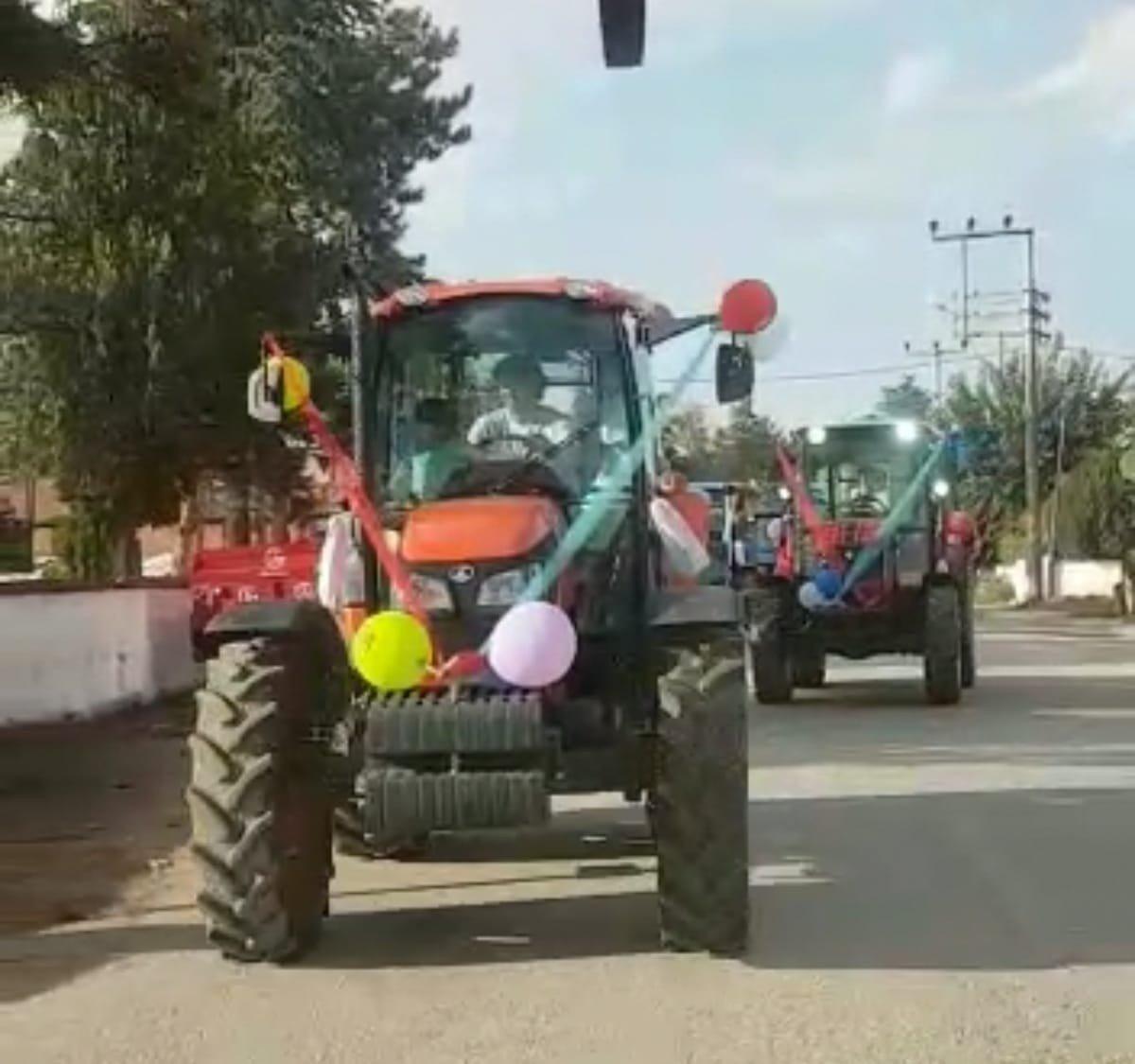 İnegöl de görenleri şaşırtan traktörlü sünnet konvoyu #2