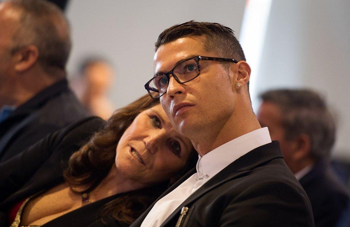 Cristiano Ronaldo nun annesi: Oğlum futbolu bıraksaydı duvar ustası olurdu #3