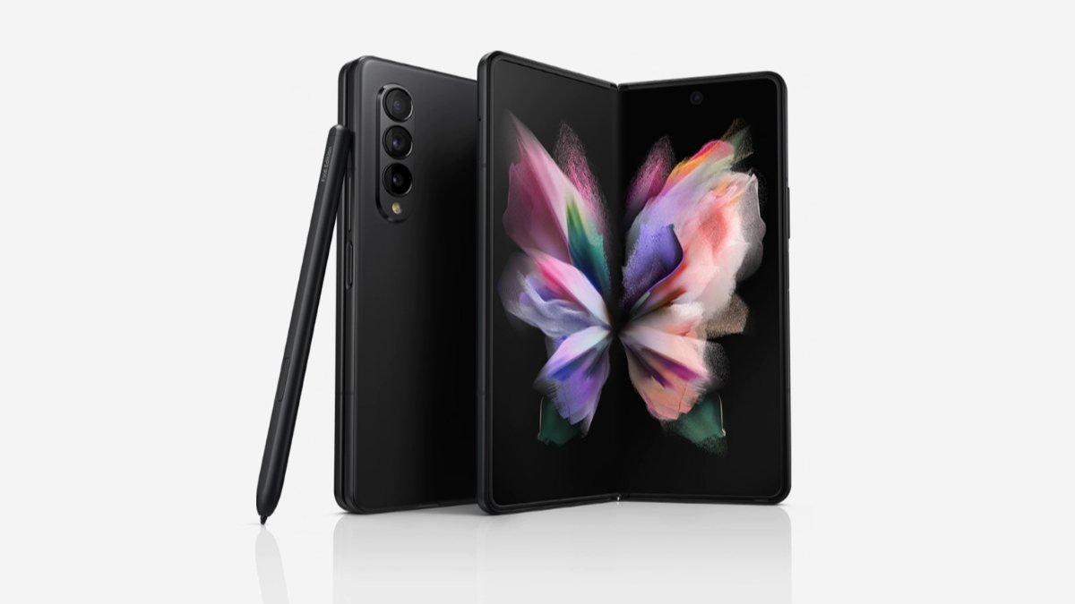 Katlanabilir Samsung Galaxy Z Fold3 ve Galaxy Z Flip3 Türkiyede