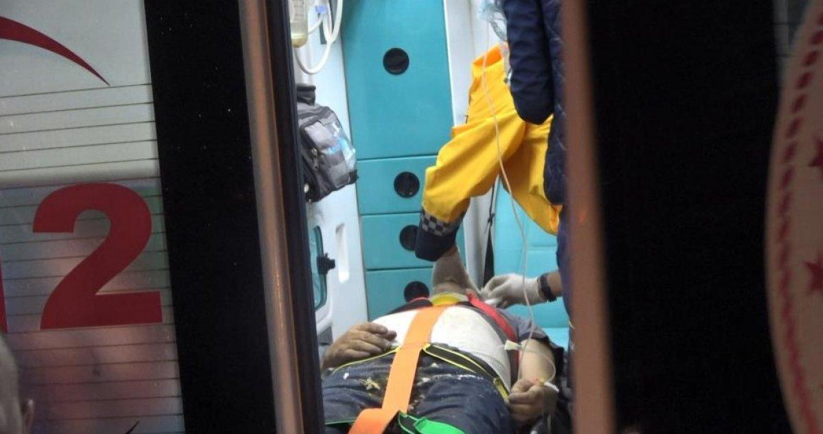 Kocaeli'de sıkışan sürücü 1 saatte kurtarıldı #2