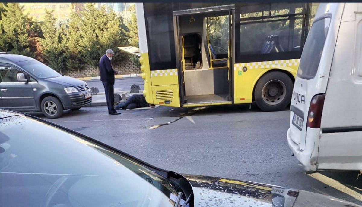 İstanbul'da İETT otobüsü yine arıza verdi #1