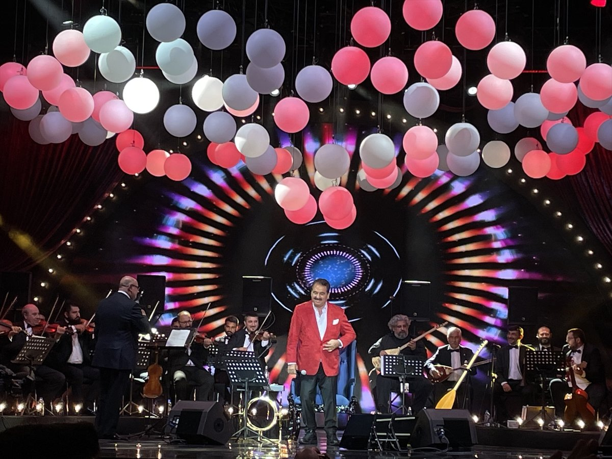 İbrahim Tatlıses, 12 yıl aradan sonra konser verdi #4