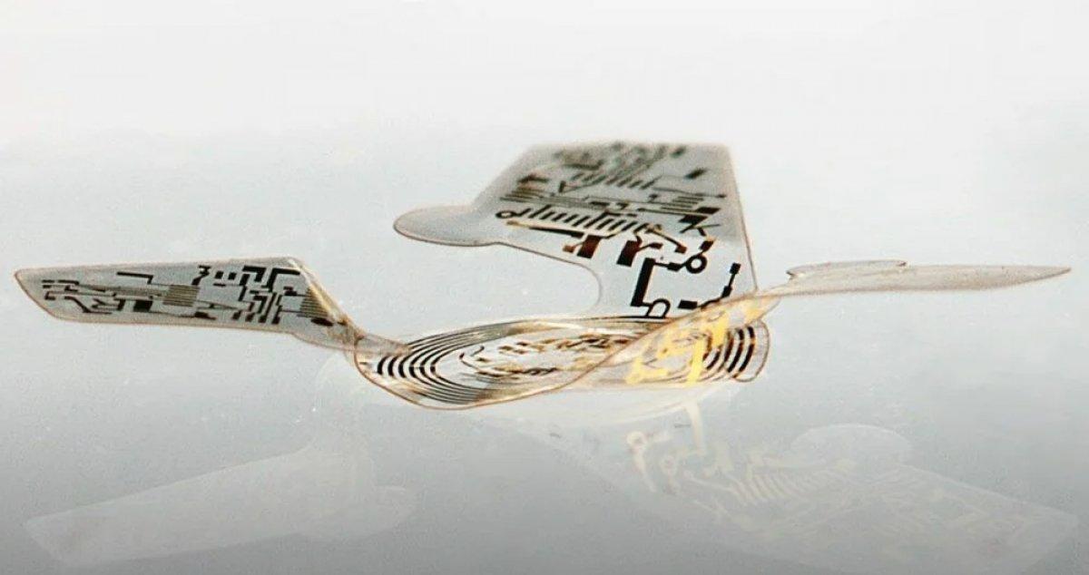 Dünyanın en küçük ve ilk uçan mikroçipi üretildi #1