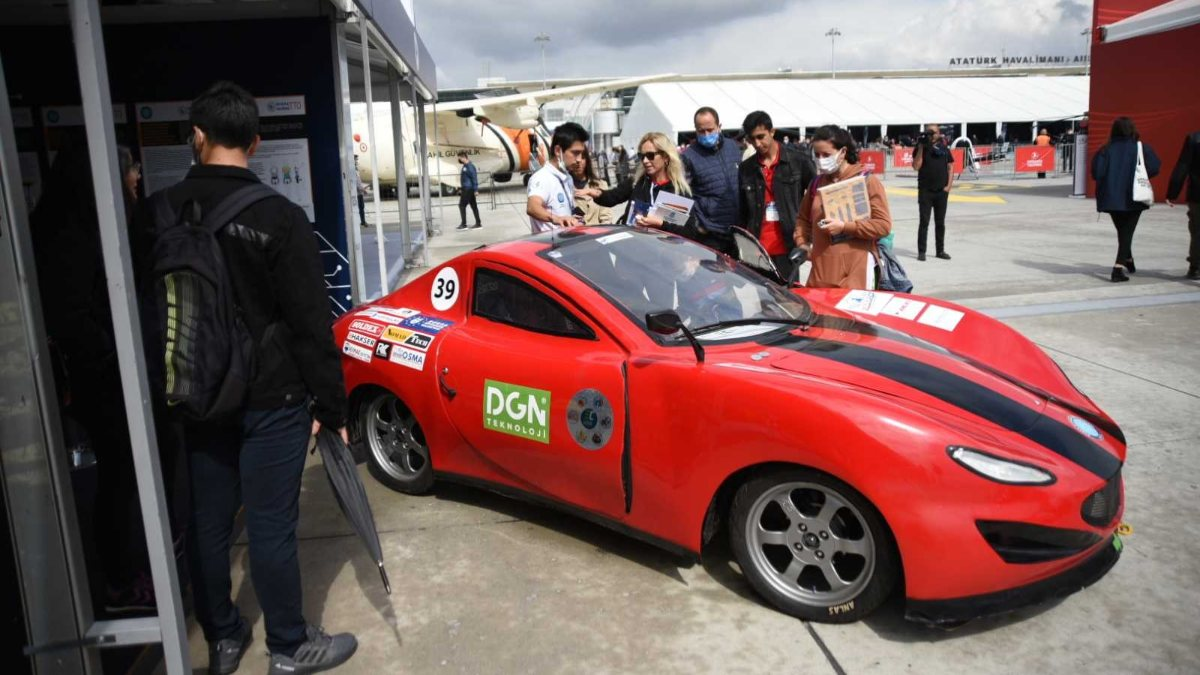 Öğrencilerin ürettiği otomobiller TEKNOFEST'te
