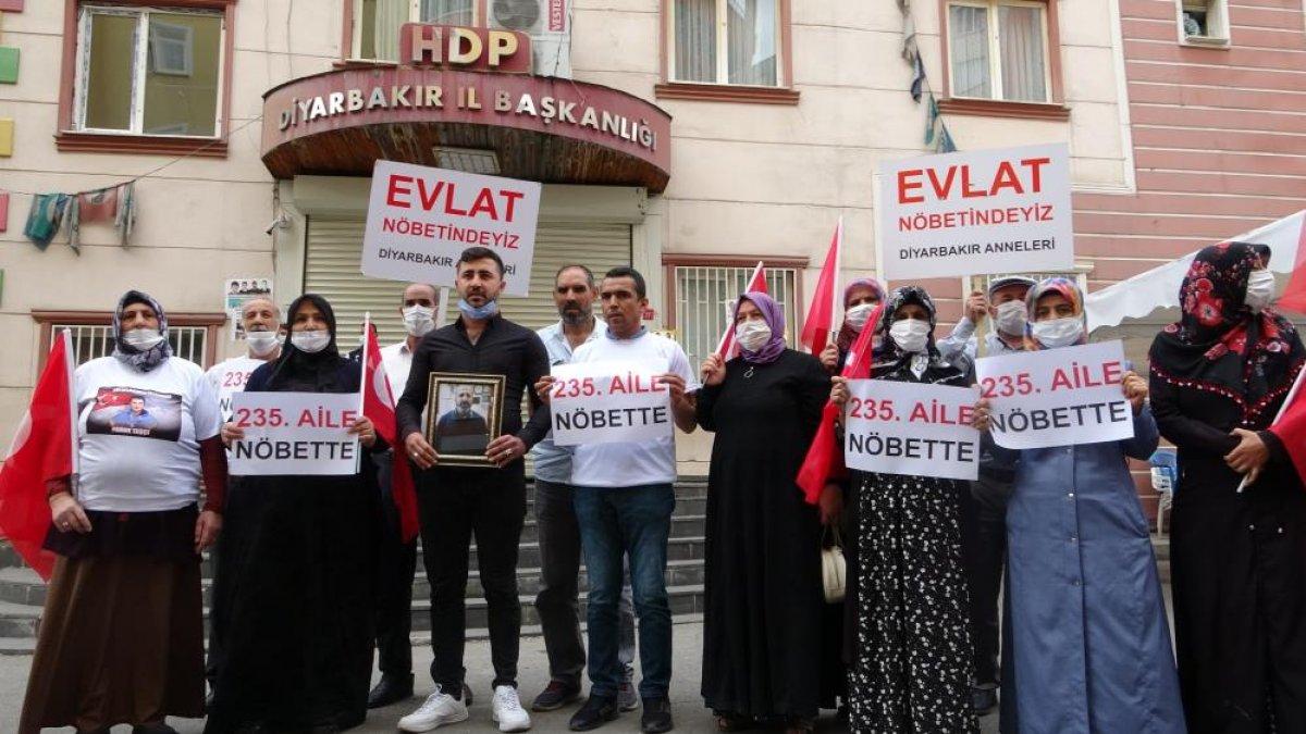 Diyarbakır da evlat nöbetindeki aile sayısı 234 oldu #3