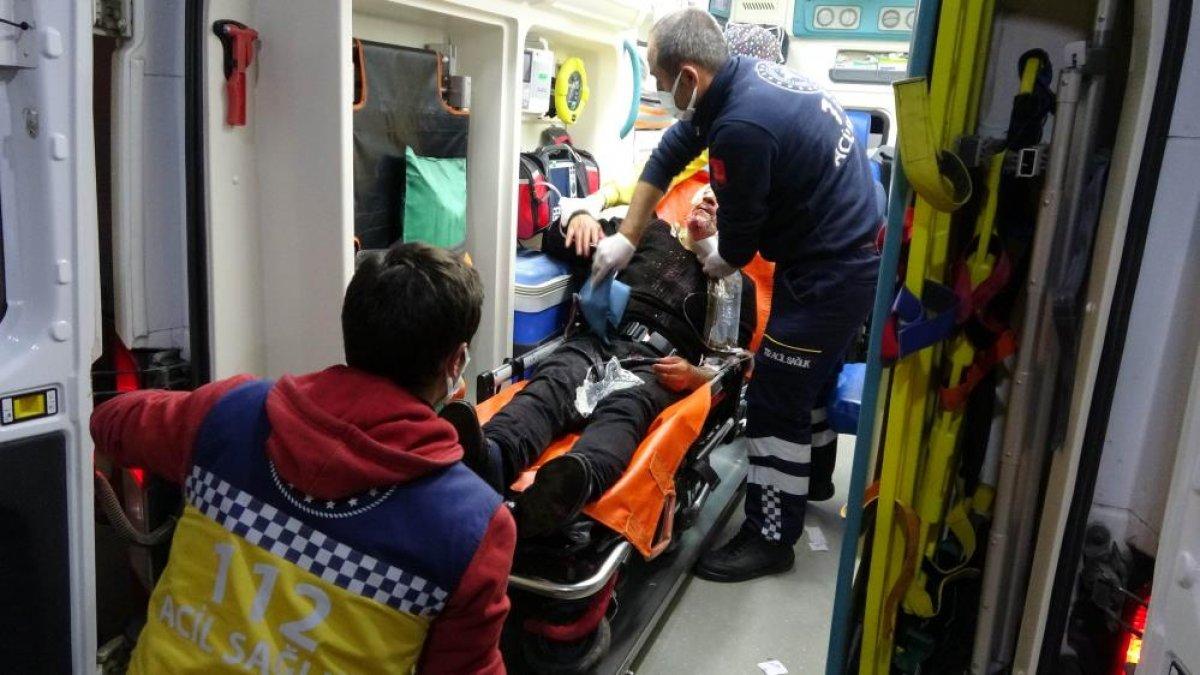 Samsun da saldırıya uğrayan adamın yakını sağlıkçılara tepki gösterdi #1